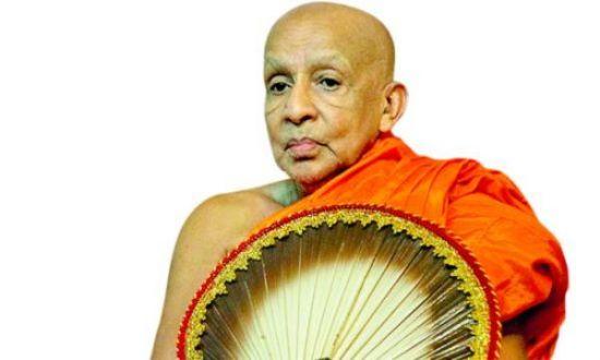 89615_81609000-asgiriya mahanayake thero 2 copy